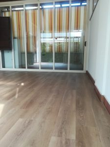 Pavimento vinilico effetto legno
